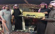 الشاعر محمد بن نايف العلوي يقوم بزيارة لاهالي ضيده بمحافظة الاسياح