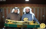 الشيخ عبدالله بن عبدالعزيز بن هديب الفريدي يكرم شاعر العرب