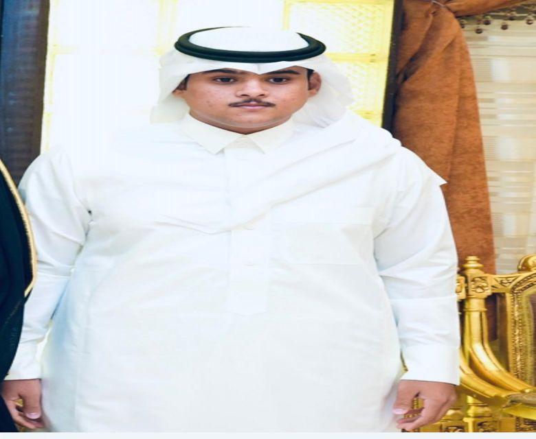 عبدالعزيز بن مساعد بن زعل الفريدي خريجا