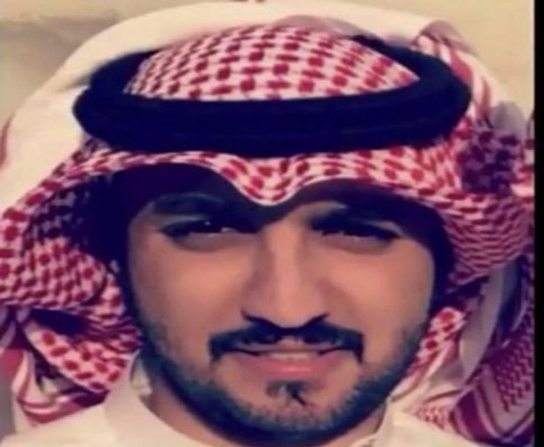 عبدالعزيز  بن علي بن رويشد الفريدي خريجًا
